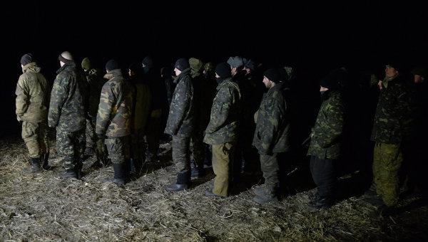 Обмен пленными между ополченцами ДНР, ЛНР и украинскими силовиками. Архивное фото