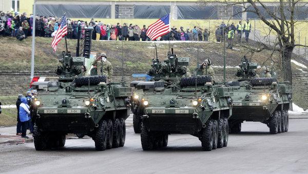 Американские военные на параде в честь Дня независимости Эстонии в Нарве