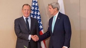 Глава МИД РФ Сергей Лавров и госсекретарь США Джон Керри во время встречи в Женеве