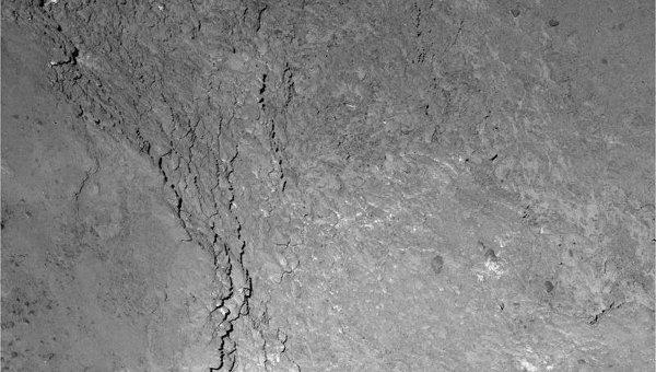 Фотография региона Имхотеп с тенью зонда Розетта