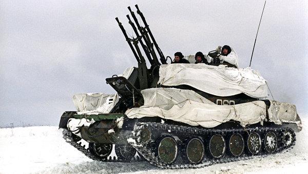 Артиллерийская установка Шилка во время учений. Архивное фото