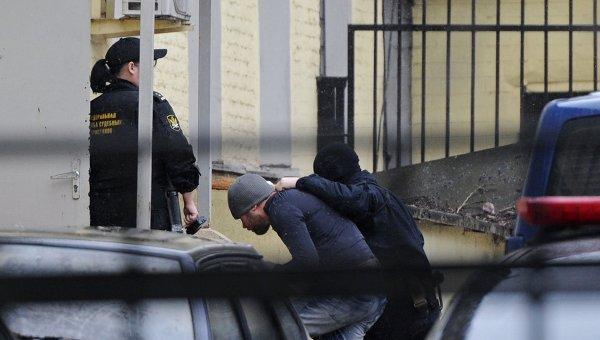 Подозреваемые в убийстве Б.Немцова доставлены в Басманный суд. Архивное фото