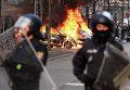 Полиция во время беспорядков на улицах Франкфурта-на-Майне