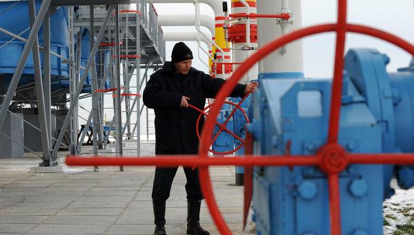 Работник Нафтогаза. Архивное фото