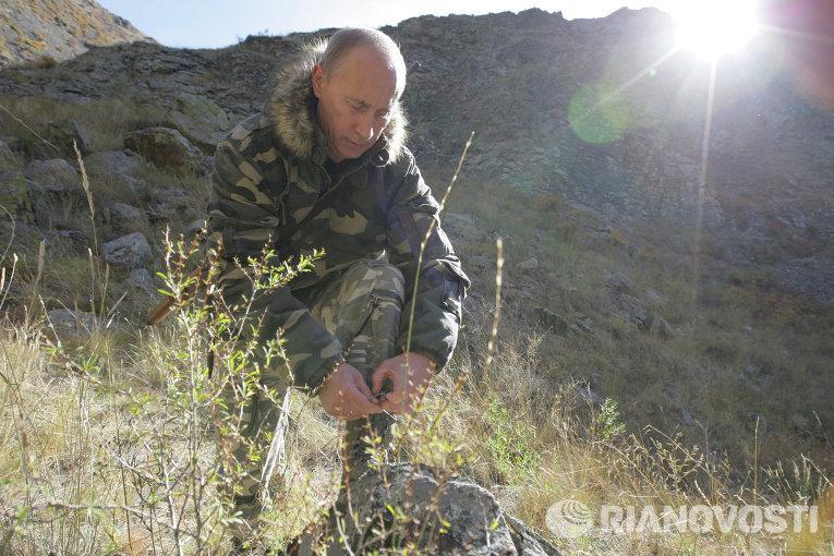 Президент РФ Владимир Путин в горах