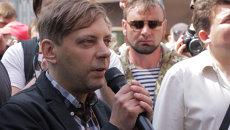 Активист Правого сектора пригрозил сжечь здание администрации Порошенко
