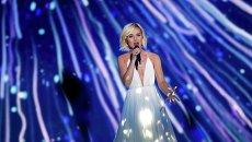 Российская певица Полина Гагарина во время выступления в первом полуфинале Международного конкурса песни Евровидение 2015 в Вене