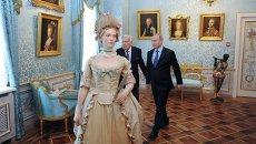 Владимир Путин и Илья Глазунов в Музее сословий. Архивное фото