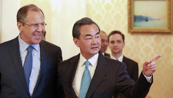 Министр иностранных дел РФ Сергей Лавров и министр иностранных дел Китайской Народной Республики Ван И, архивное фото