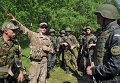 Украинские и американские военные во время совместных учений Fearless Guardian - 2015 на Яворивском полигоне