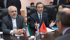 Министр иностранных дел КНР Ван И и Министр иностранных дел Исламской Республики Иран Мохаммад Джавад Зариф. Архивное фото