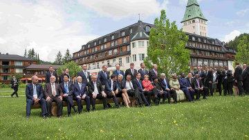 Участники саммита G7 в окрестностях баварского замка Эльмау