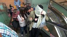 Задержанная в Турции студентка МГУ закрывала лицо шарфом в аэропорту Стамбула