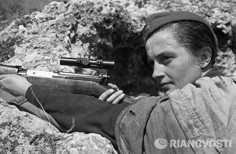 Снайпер Людмила Павличенко