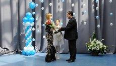 Выпускница смоленской гимназии получила золотую медаль с бриллиантами