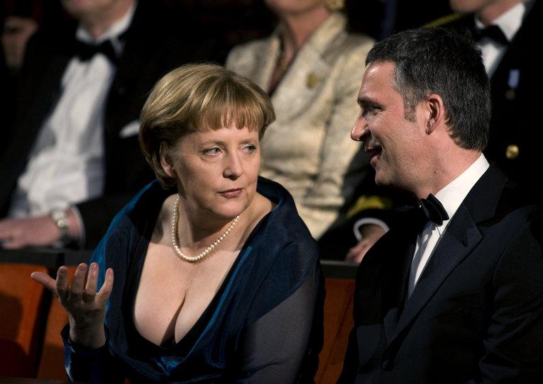 Меркель в юбках фото