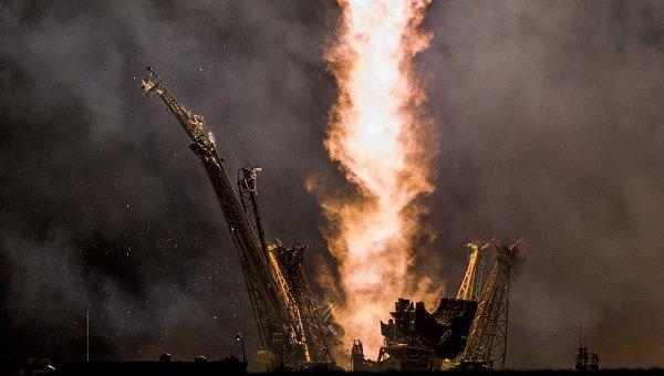 Старт ракеты , архивное фото