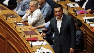 Премьер-министр Греции Алексис Ципрас на заседании парламента Греции. 16 июля 2015