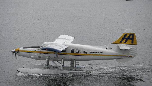 Гидросамолет завалился набок при взлете вКрасноярском крае, пострадал пилот