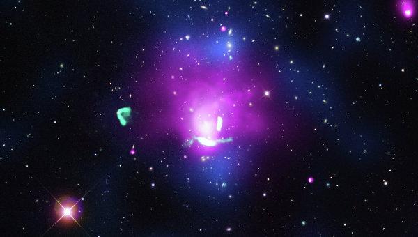 Фотография электронного феникса в скоплении галактик Abell 1033