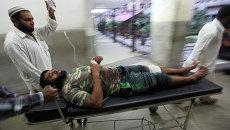 Житель, пострадавший в ходе перестрелки на границе с Пакистаном. Кашмир, Индия. Архивное фото