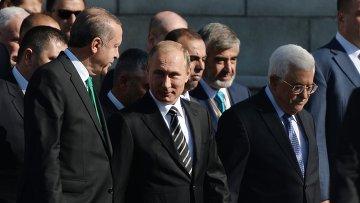 Президент РФ В.Путин принимает участие в церемонии открытия реконструированной Московской Соборной мечети