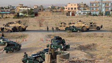 Сотрудники сил безопасности Афганистана возле города Кундуз