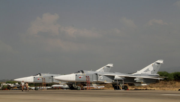 Российские самолеты на аэродроме Хмеймим