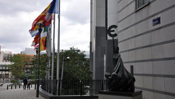 Евросоюз не думает вводить санкции против России из-за Сирии, заявили в Брюсселе