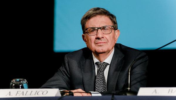 Председатель совета директоров Банка Интеза Антонио Фаллико, архивное фото