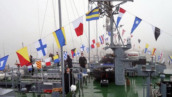 Церемония поднятия флагов ВМФ России на новых судах. Архивное фото