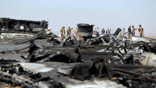 Египетские военные на месте крушения самолета Когалымавиа, выполнявшего рейс из Шарм-эль-Шейха в Санкт-Петербург. 1 ноября 2015