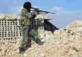 """Бойцы движения """"Хезболлах"""" на передовых позициях Сирийской Арабской Армии (САА) у дороги из Хомса в Пальмиру"""