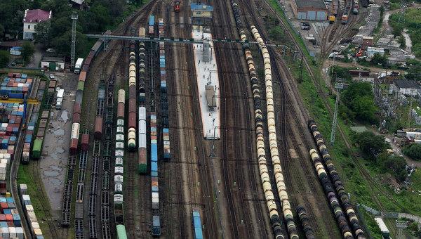 Вид на железную дорогу в городе Владивостоке. Архивное фото