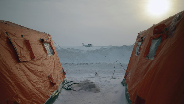 Дрейфующая станция Северный полюс-2015. Архивное фото