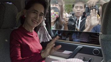 Лидер оппозиции Мьянмы Аун Сан Су Чжи. Архивное фото