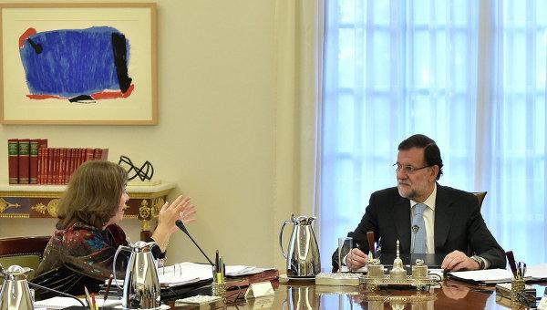 Премьер-министр Испании Мариано Рахой на экстренном заседании по отделению Каталонии в Мадриде. 11 ноября 2015