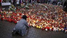 Свечи у посольства Франции в Варшаве