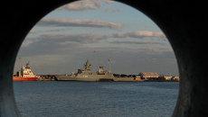 Британский военный корабль HMS Defender