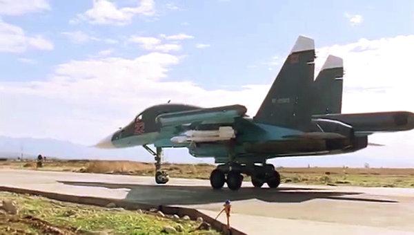 Подготовка и боевые вылеты Су-34, вооруженных ракетами воздух-воздух. Архивное фото