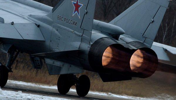 Истребитель МиГ-31 совершает взлет во время летно-тактических учений истребительной авиации Восточного военного округа на аэродроме Центральная Угловая в Приморском крае. Архивное фото
