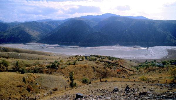Река Ахангаран в Узбекистане. Архивное фото