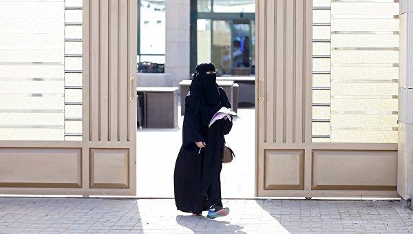 Женщина на муниципальных выборах в Саудовской Аравии.