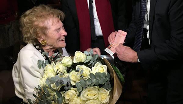 Баронесса Ирина Владимировна фон Дрейер в преддверии 100-го дня рождения получила российский паспорт