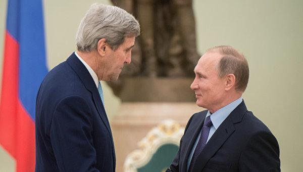 Президент России Владимир Путин и государственный секретарь Соединенных Штатов Америки Джон Керри во время встречи в Кремле. 15 декабря 2015.