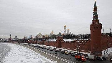Вид на Московский Кремль с Большого Москворецкого моста, архивное фото