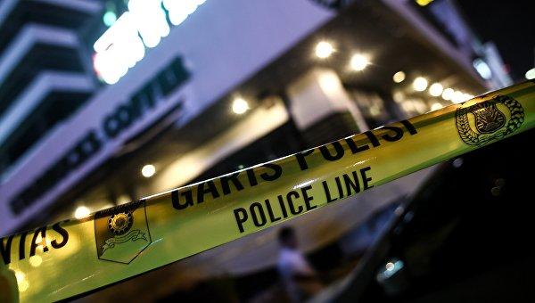 Полицейская лента на месте взрыва в Джакарте. Архивное фото