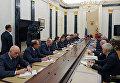 Президент России Владимир Путин проводит в Кремле совещание по вопросам развития Фонда перспективных исследований