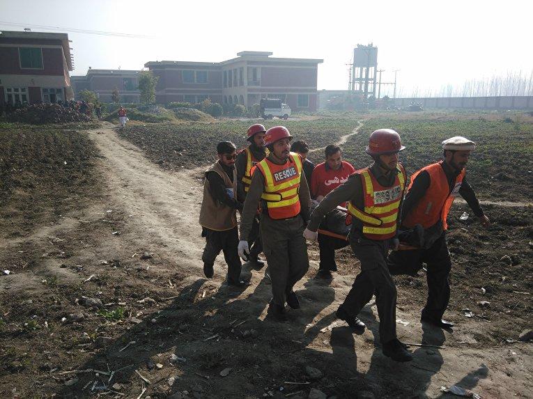 На месте нападения боевиков на университет Бача Хан