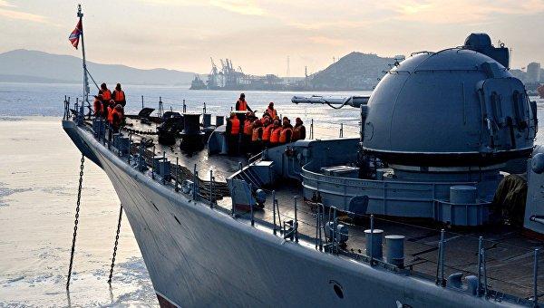 Торжественная встреча отряда кораблей Тихоокеанского флота во Владивостоке. Архивное фото